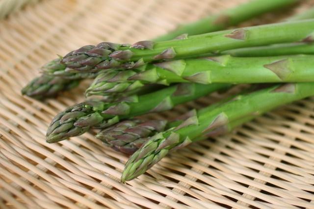 アスパラの栄養がスゴイ。疲労回復効果のあるアスパラガスエキスとは?
